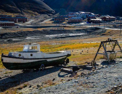 Spitzbergen: Mitternachtssonne in Longyearbyen