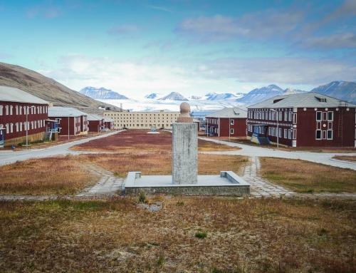 Spitzbergen:  Pyramiden, die nördlichste Geisterstadt der Welt